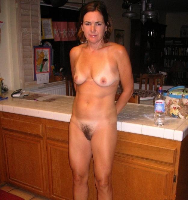 Free Naked Moms