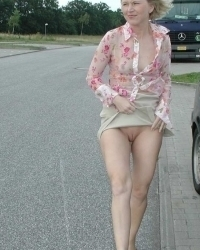 Pics of All Amateur Teens , College Girls, Wives and Girlfriends flashing in PUBLIC