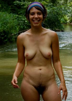 фото девушек волосатых голышом