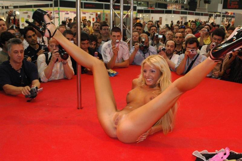 голые танцовщицы стриптиза фото