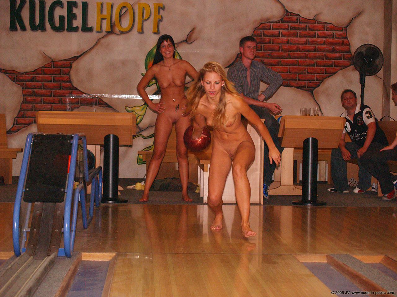 Читать эротический рассказ на тему голая на публике фото 782-111