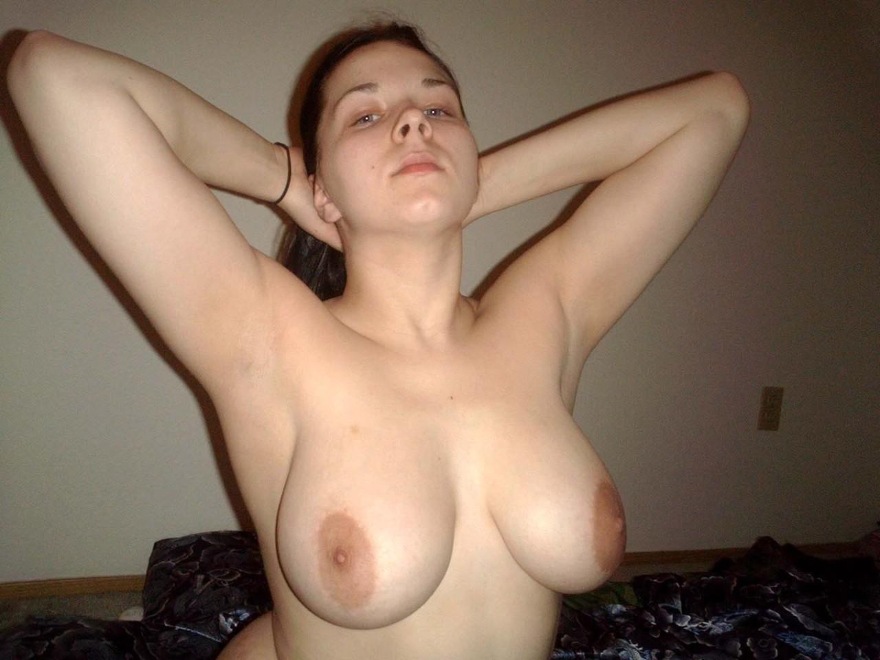 porno-foto-ogromnih-molodih-sisek