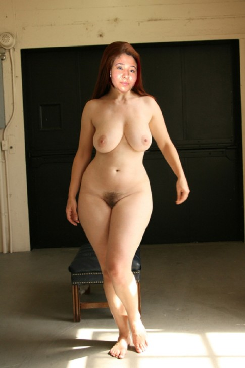 порно фото девушек с широкими бедрами