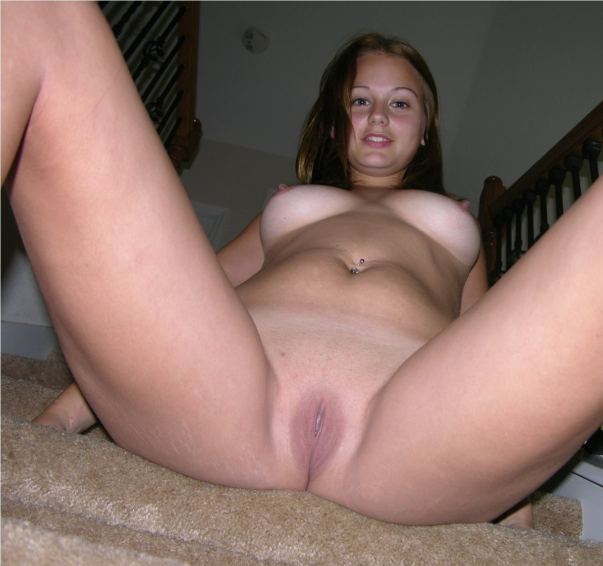 Amateur Girlfriend Shaving Pussy