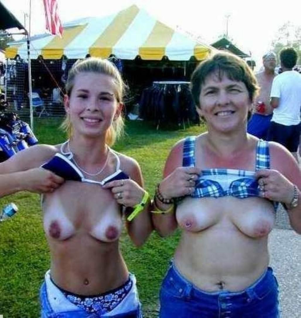 Nudemod pics daz 3d nude fucking pics
