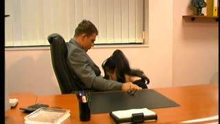 3 secretaries please the boss