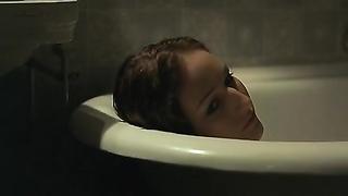 Leelee Sobieski, boring Tara Fitzgerald - In a dim keep