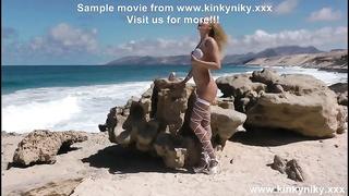 KinkyNiky ass-fuck  fucktoy  plumb and prolapse at public beach!