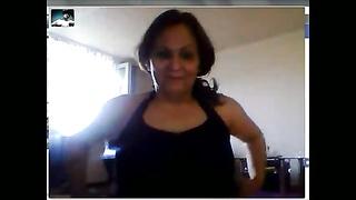 Hulya Huelya - Turkish mummy  with big orbs  tits on Webcam