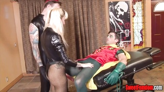 5034dusky Canary Sells Robin's bootie COSPLAY PEGGING bisexual  hookup