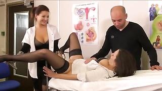 Anna la gynecologue