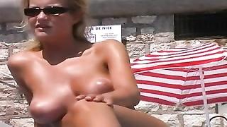 British tv starlet  Helen Skelton topless on the beach