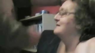 10258Aunty grandma gets a facial - negrofloripa