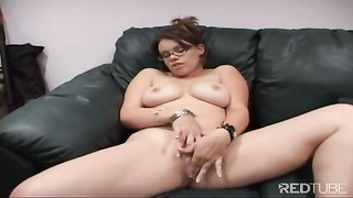 Gia Paloma gets jizz on her peruse