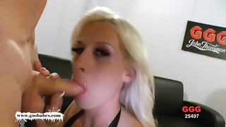 Curvy yellow-haired likes  pawing  molten cum all over