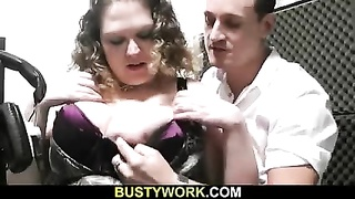 He gobbles and fingers her rotund fuckbox