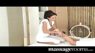massage Rooms - Nubile teen bombshell