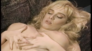 steamy lesbo hook-up  turns into 3 way