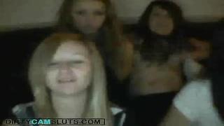 UK-Girls flashing on Cam