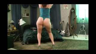 hot sexy chick Dancing and jiggling Her butt AL84