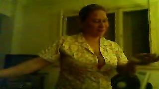 My Arab mummy  Dancing