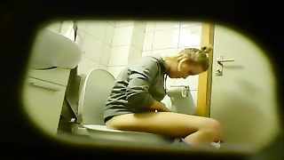 blondy inexperienced teen toilet cunt caboose  hidden notice cam voyeur 8