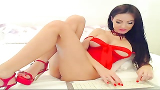 Hott Brunette showing legs Off On Cam
