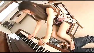 Melodic footjob
