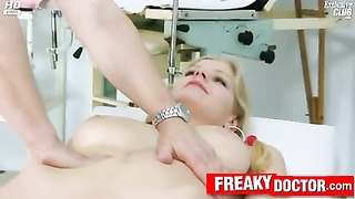 horny Jenny gets multiple orgasms at gyno