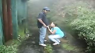 Shameless Desi woman Got pounded By Her boyfriend In Backyard