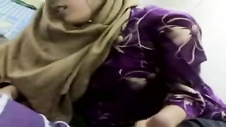Malay-tudung jahil two