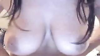 Cam d'une salope beurette a gros seins