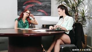 Порно кино онлайн начальница 60