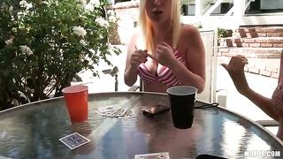 Let's Play disrobe Poke-Her!