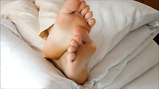 gf  luxurious soles in bed