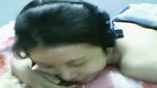 Vietnamese steamy chick relate cam
