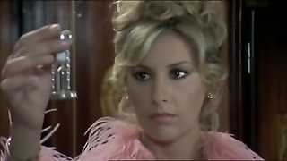 Anna Maria Rizzole seducing in screech in an italian movie