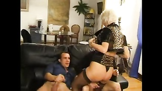 FRENCH primitive 27 ass fucking blondie mom mummy  with 2 younger dudes