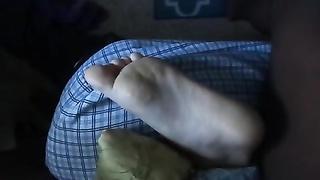 cumming on my gf's feet, once again :)