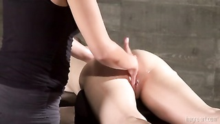 Oily assfuck massage