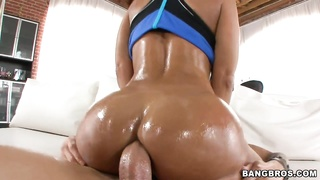 Lisa Ann takes it ass-fuck  bam!
