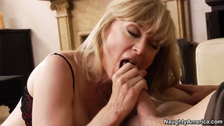 down mom Mrs. Hartley penetrating her son's pal