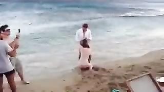 187733Pompino pubblico in spiaggia