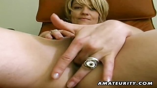 A blonde amateur girlfriend toys her pussy and sucks cock with a huge facial cumshot ! Genuine amate