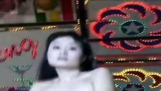 beautiful Taiwanese girl - slow dance