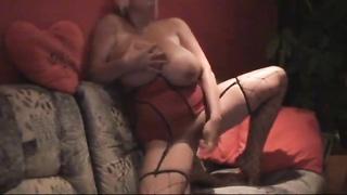 Enormous boobs on the amateur toy slut