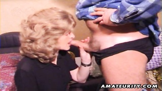 222466A feeble inexperienced housewife gives a full blowjob with cumshot in her mouth stupid! Homemade har