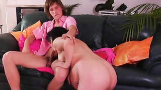 223528Pregnant Mom shapely youthful boys two