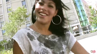 PUTALOCURA latina picked up on the street and tears up for cash
