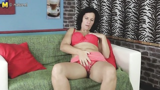 gorgeous mother wants a hard prick